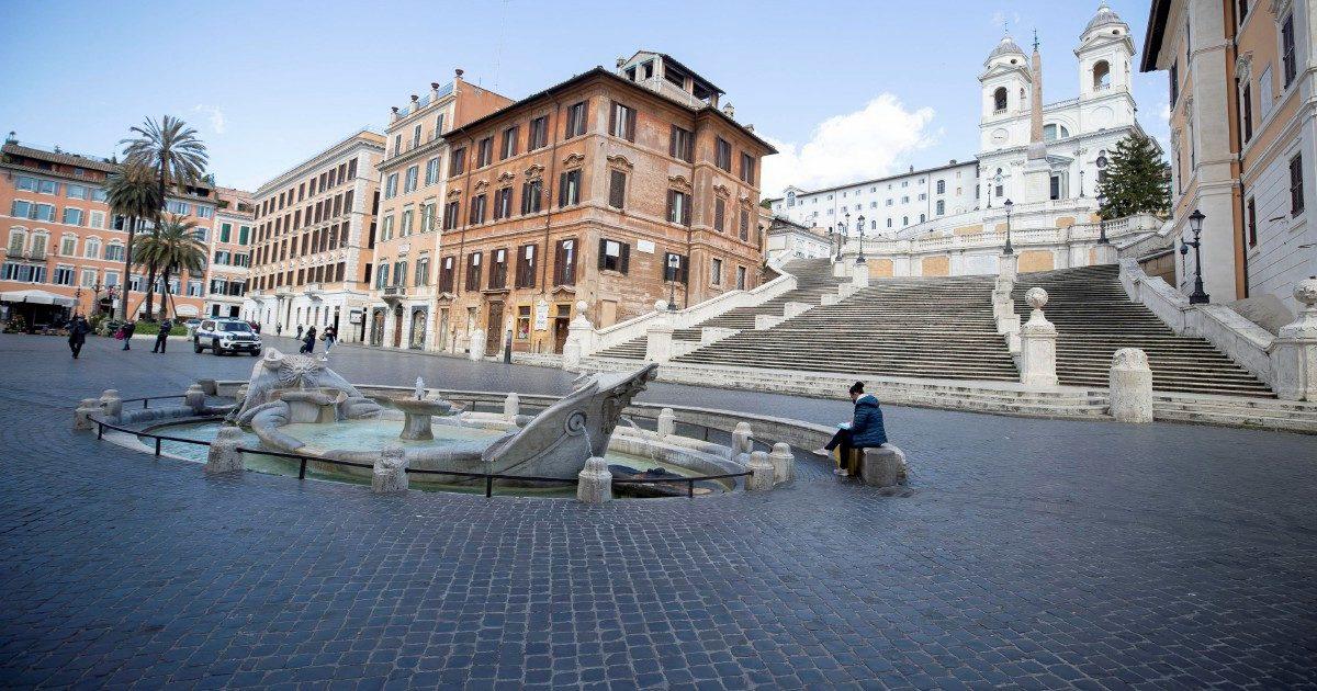 L'Italia rossa tra strade deserte e controlli