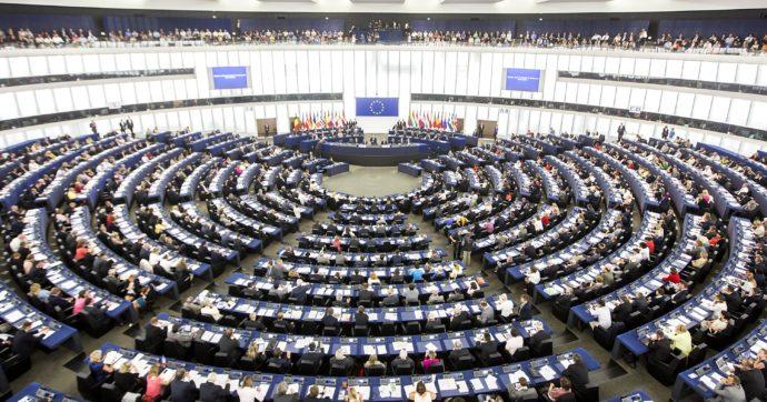 Il Parlamento Ue condanna la legge ungherese contro la comunità Lgbtiq e chiede una procedura d'infrazione. Contrari Lega e Fdi