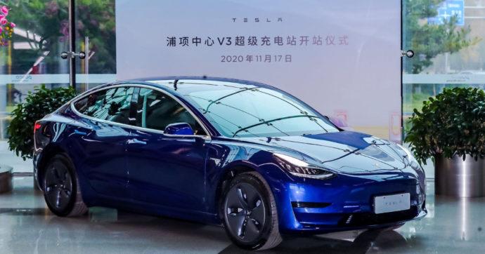 """Tesla, la Cina ne limita l'utilizzo per militari e funzionari """"sensibili"""". Si teme lo spionaggio"""