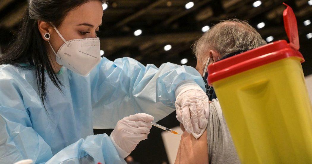 """Vaccino Covid, il caso di 2 milioni di 60enni mancanti. Silvestri: """"Ora convincere gli indecisi. La garanzia di una vita normale come incentivo a chi completa il ciclo"""""""