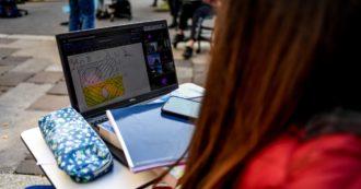"""Didattica a distanza, a Bologna le parrocchie aprono per gli studenti senza computer e rete internet: """"Se siete senza, venite da noi"""""""