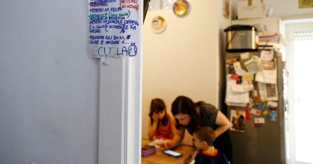 I nonni come baby sitter e i figli in dad da aiutare mentre lavorano da casa: l'odissea delle mamme lavoratrici escluse da tutti gli aiuti