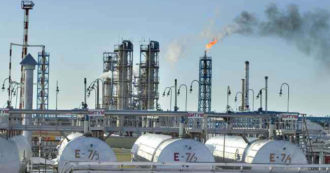 """Petrolio, gas e carbone: altri 750 miliardi di dollari investiti dalle banche. L'ex di Blackrock: """"Investimenti sostenibili? solo pubblicità"""""""