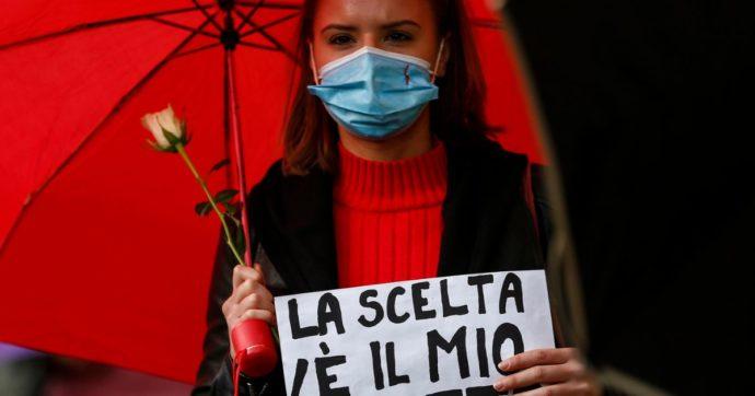 """""""In Italia è ancora difficile abortire. Mancano i medici e il numero di ginecologi obiettori di coscienza è in aumento"""""""