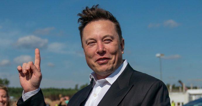 """""""Starship Hls sarà pronta per il 2024"""": Elon Musk rassicura sulla navicella scelta dalla Nasa per l'allunaggio"""