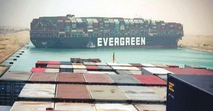 L'incidente al Canale di Suez obbliga a una riflessione sul gigantismo delle navi