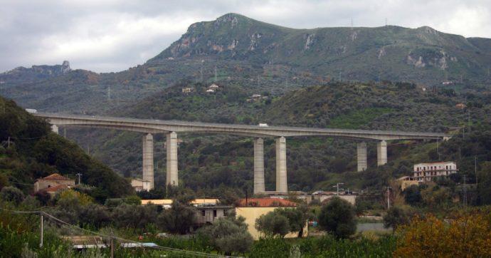 """Autostrada Messina-Palermo, il Mit chiede la chiusura di 2 viadotti e 8 gallerie: """"Rischio crolli, stato avanzato di deterioramento"""""""