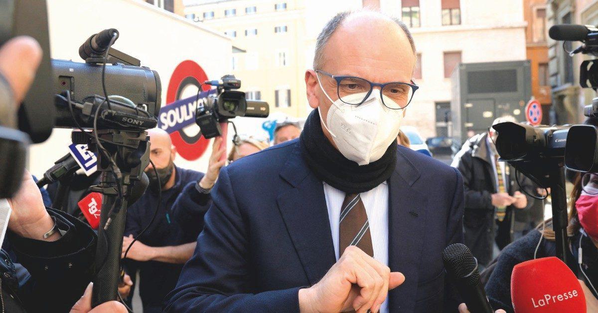Letta vede Sardine e Verdi e attacca Renzi sull'Arabia