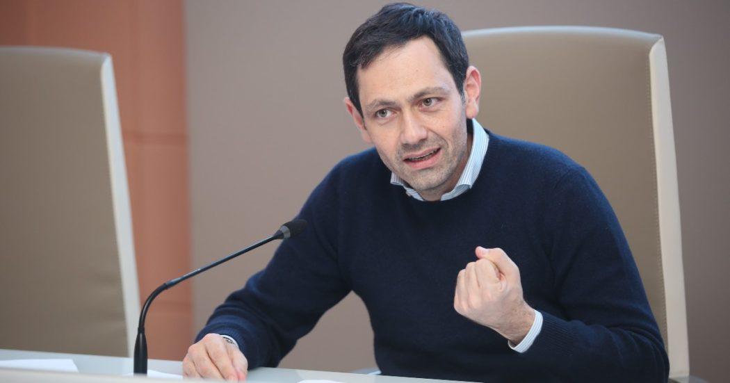 """Sicilia, l'inchiesta sui dati Covid falsati e le accuse all'assessore Razza: """"Illeciti commessi con l'avallo della politica. Scellerato disegno, ne paga il prezzo la popolazione"""""""