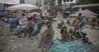 Spagna, mascherina obbligatoria anche in spiaggia dai 6 anni in su. Da indossare pure se c'è il distanziamento