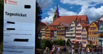 """Tubinga, il progetto alternativo tedesco: tampone e ticket per girare liberamente in città per 24 ore. Ma l'incidenza è quadruplicata e il modello è già in crisi: """"Troppe violazioni"""""""