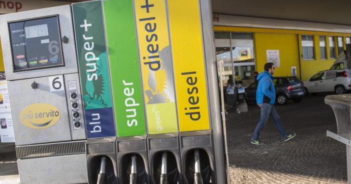Istat, lieve incremento dell'inflazione a marzo. Il petrolio spinge i prezzi di carburanti ed energie. Bollette più care ad aprile