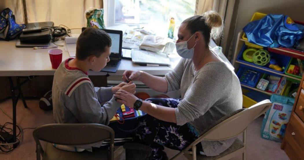 """Giornata autismo, la solitudine delle famiglie aggravata dal Covid: """"Le istituzioni siano più sensibili. Vaccini? Ritardi e disparità inaccettabili"""""""