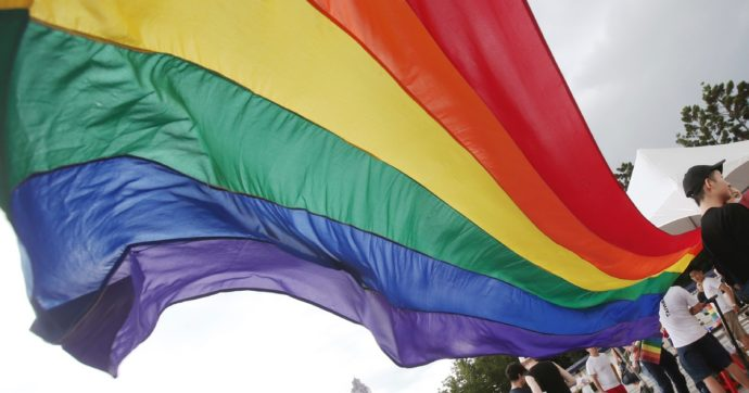 Chissà se il prossimo scisma non si consumerà contro l'omofobia della Chiesa ufficiale
