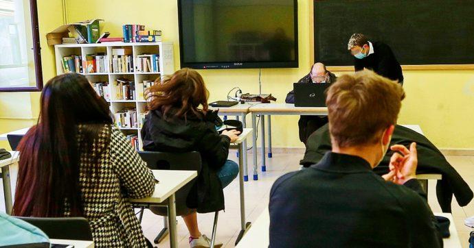 Scuole, aule aperte anche in Campania: lezioni in presenza per l'80% degli studenti italiani. Ecco la mappa regione per regione