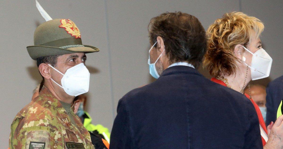"""Moratti: """"Più vaccini qui che in Olanda"""" Però è un'altra balla"""