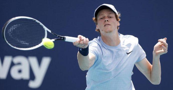 Jannik Sinner vola in finale nel Masters 1000 di Miami: battuto Bautista Agut in tre set