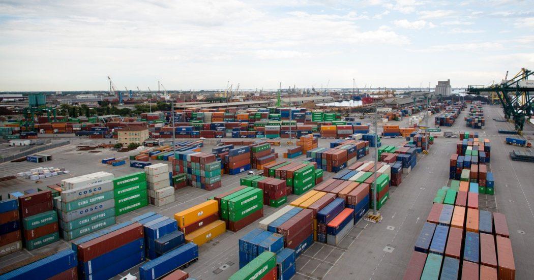 Blocco di Suez risolto, ma gli effetti restano: rischio di maxi rialzi per i prezzi di petrolio, grano, carbone e ferro. E choc per i Paesi esportatori