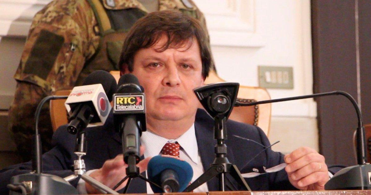"""Corruzione, chiusa inchiesta sul pm Luberto. """"Evitò indagini su politici Pd Aiello e Bossio"""""""