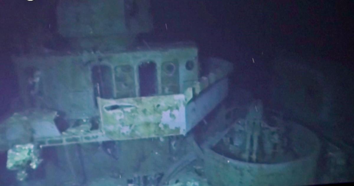 L'immersione da record per ammirare la nave affondata nella Seconda guerra mondiale: il relitto si trova a 6500 metri di profondità – Video