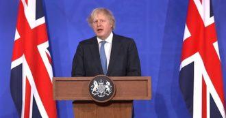 """Gran Bretagna, Boris Johnson: """"Dal 12 aprile riaprono bar, palestre e negozi. Anche io andrò al pub. Viaggi all'estero? Troppo presto"""""""
