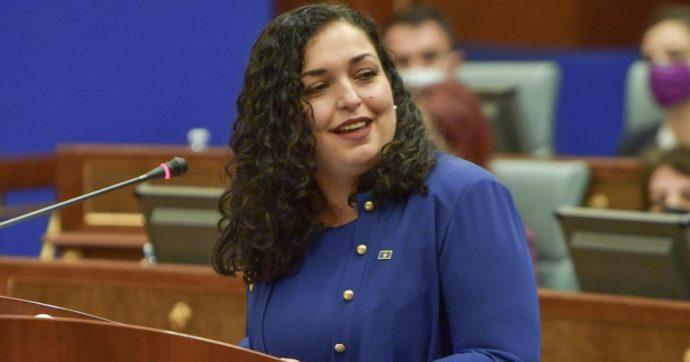 """Il Kosovo elegge una presidente donna: è la giurista Vjosa Osmani. """"Ragazze, ogni vostro sogno può diventare realtà"""""""