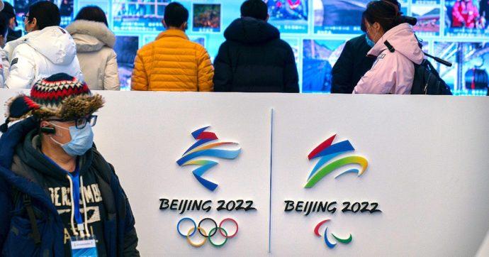"""Pechino 2022, gli Usa valutano il boicottaggio delle Olimpiadi invernali. La Cina: """"Comunità internazionale non lo accetterà"""""""