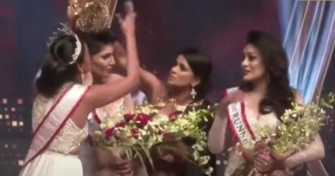 Rissa al concorso di bellezza, la rivale le strappa la corona: Miss Sri Lanka ferita alla testa