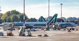 """Alitalia, Giorgetti: """"Da Bruxelles non ci sono discriminazioni. Avanti con le trattative"""". Uil: """"Parole incomprensibili"""""""