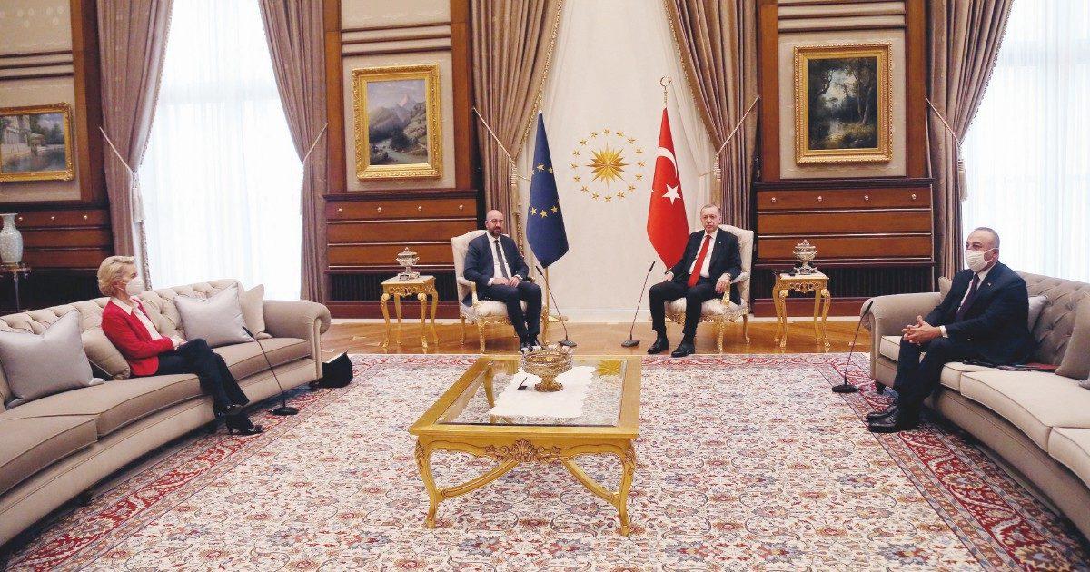 L'incontro Erdogan-von der Leyen-Michel, la Ue fa la voce grossa ma cede sui migranti