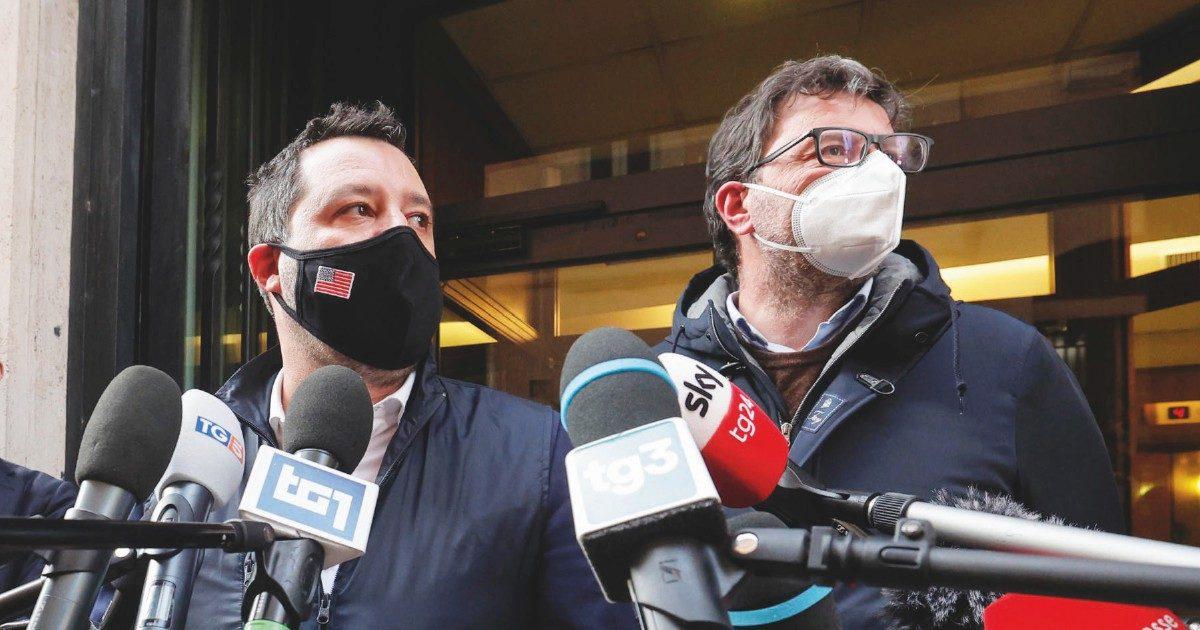 """Salvini, ipotesi Papeete 2 per uscire dalla """"gabbia"""""""