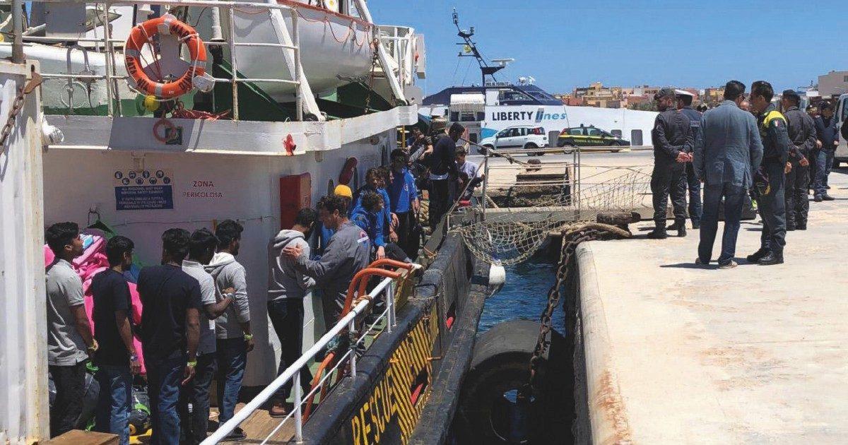 """L'armatore della Mare Ionio: """"Ho affittato un pattugliatore belga dai mafiosi di Malta"""""""