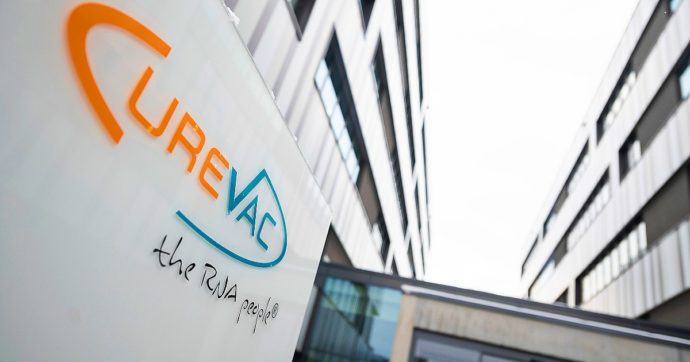 Covid, Curevac ritira iter di approvazione del suo vaccino a Rna messaggero e annuncia sviluppo di un nuovo candidato