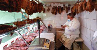 """Carne e latticini """"sponsorizzati"""" con il 32% del budget europeo per i prodotti agricoli. Ma dovremmo ridurne il consumo del 70%"""