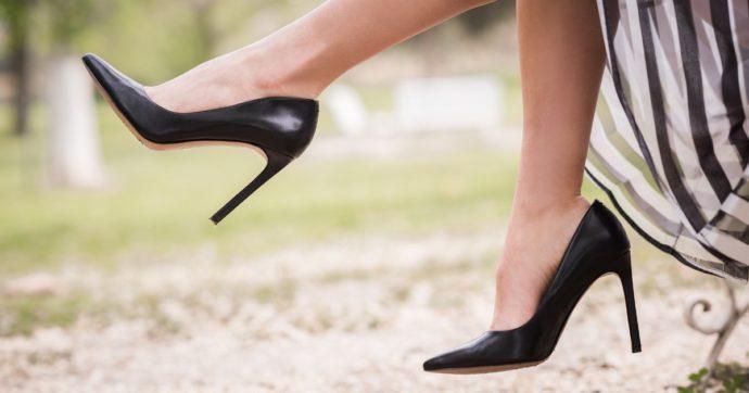 """Rubava scarpe di giovani donne e le sostituiva con modelli nuovi: """"Volevo odorarle"""". Fermato dalla polizia"""