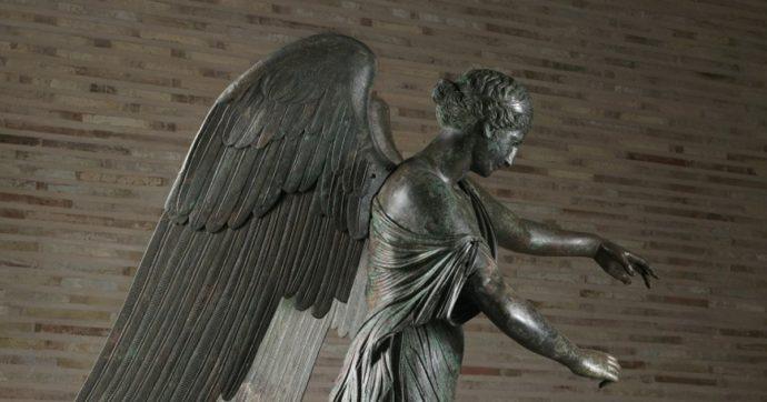 La nuova veste della Vittoria Alata di Brescia: la statua torna a casa dopo due anni di restauro e di studi fiorentini. Le foto prima e dopo