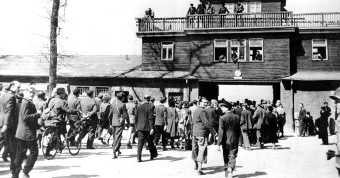 """""""Oggi 76 anni fa mio padre veniva liberato dal campo di Buchenwald. Nessuno di noi potrà capire fino in fondo"""": il ricordo di Fiano"""