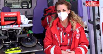 """Dai tamponi nella prima ondata all'aiuto negli hub vaccinali, le voci dei volontari Croce Rossa: """"È impegnativo, ma non possiamo farne a meno"""""""