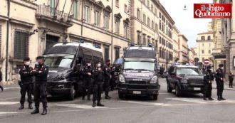 """""""Io Apro"""", vie del centro di Roma blindate per la manifestazione non autorizzata dei ristoratori"""