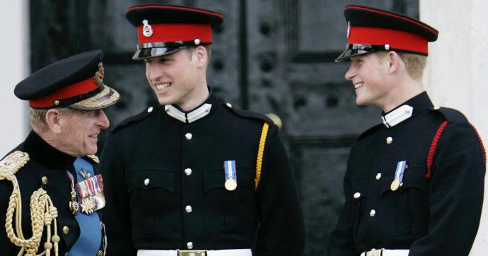Principe Filippo, il messaggio d'addio di William nasconde una stoccata contro Harry e Meghan