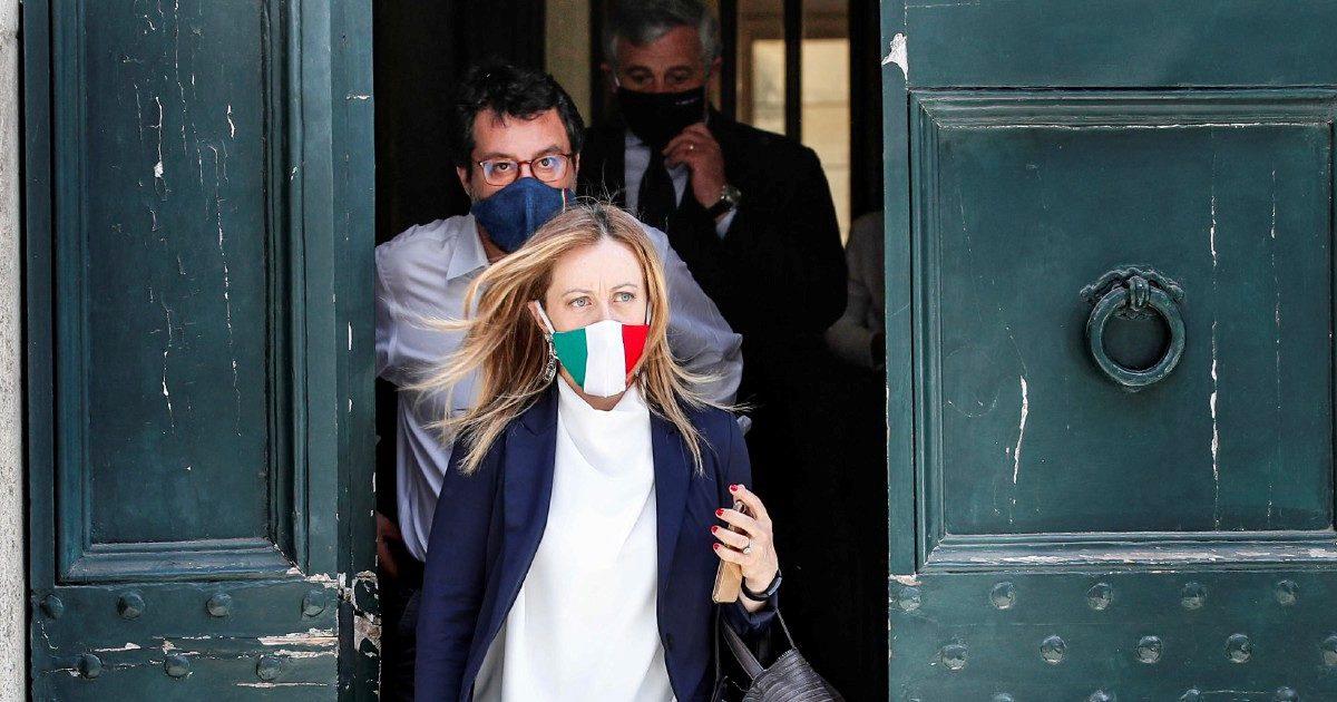 """Gli show """"aperturisti""""di Salvini per fermare la corsa di Meloni"""