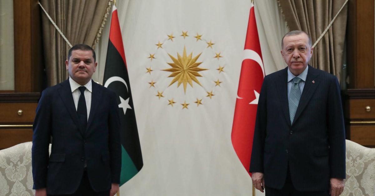 """Altan è libero, decine di altri oppositori no: è la Turchia del """"dittatore"""" mascherato"""