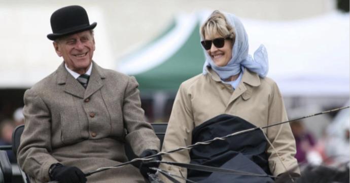Penelope Knatchbull, l'unica non appartenente alla famiglia reale presente ai funerali di Filippo di Edimburgo. Illazioni? Ecco perché non è il caso
