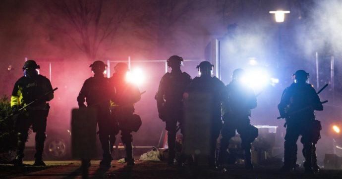 Un'altra sparatoria in Usa: uomo apre il fuoco in un pub in Wisconsin. Tre morti e due feriti gravi