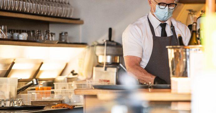 Green pass, Bolzano lo introduce in anticipo: un'app per mangiare nei ristoranti al chiuso