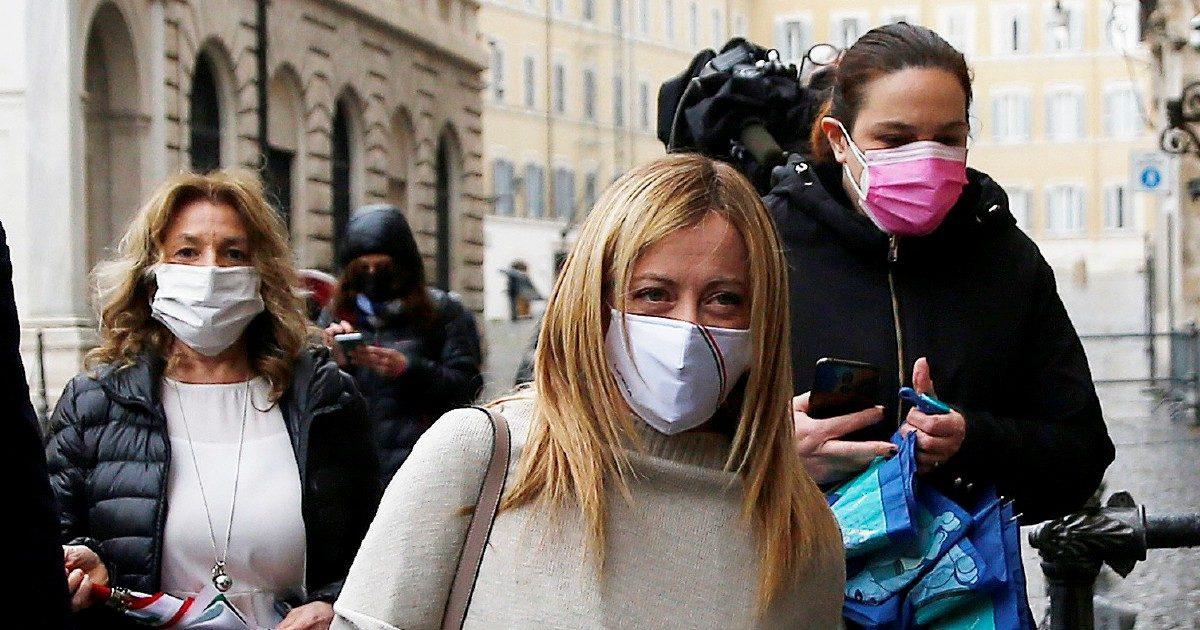 Pnrr, Meloni da Draghi e Renzi fa anticamera