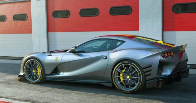 Ferrari   La 812 Competizione è anche Aperta   VIDEO