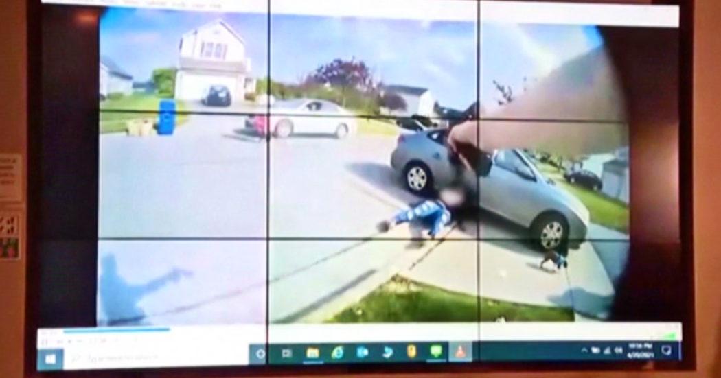 Usa, le immagini dalla bodycam del poliziotto che ha ucciso una 16enne afroamericana – Video