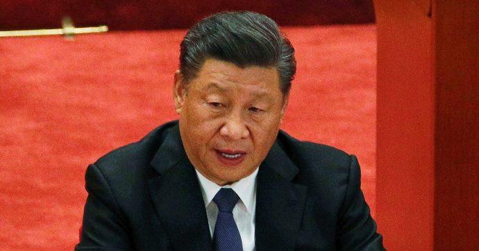"""La Cina risponde alle accuse della Nato: """"Noi una minaccia? Basta calunnie. Le nostre politiche militari sono difensive"""""""