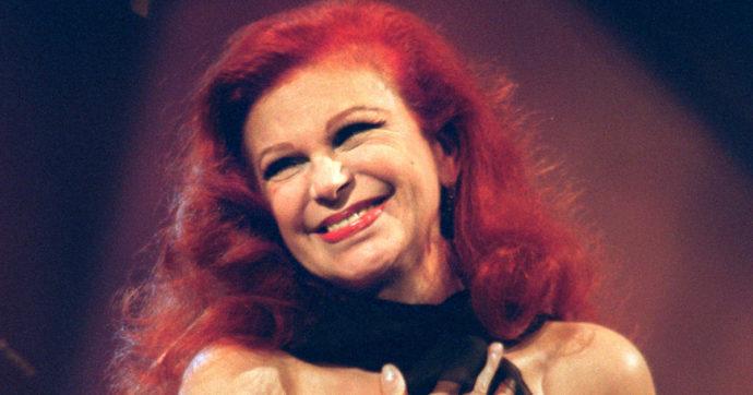 """È morta Milva, se ne è andata a 82 anni la """"rossa"""" della canzone italiana. Un'artista a tutto tondo dalla voce inconfondibile"""